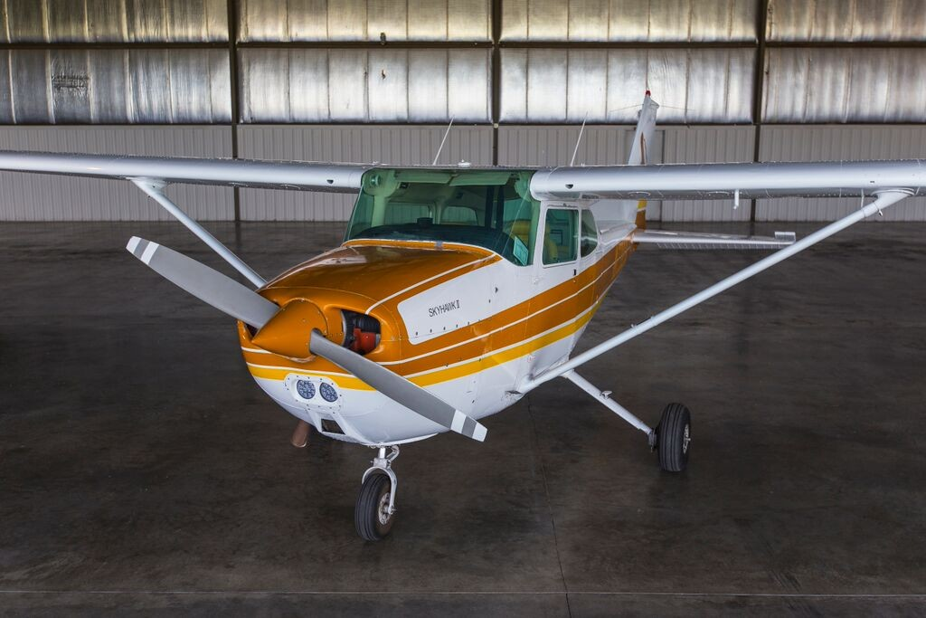 Cessna 172 Exterior 2 Inflight Pilot Training