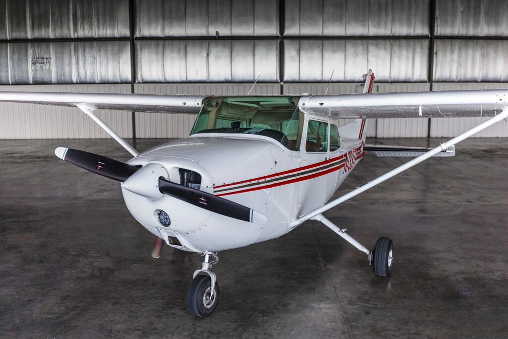 Cessna 172 Exterior Inflight Pilot Training