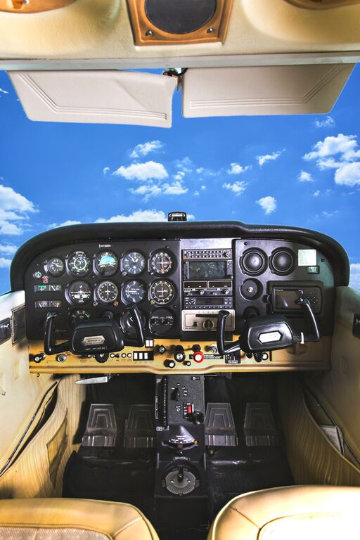 Cessna 172 Interior Inflight Pilot Training